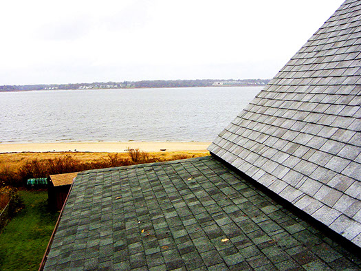 Shingle roofing contractor 01